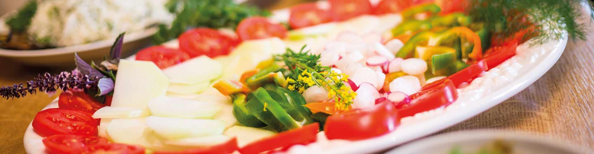 Frischer-Salatteller-1920x500px